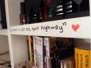 Benim odamdan, en sevdiğim şarkının bir dizesi